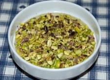 Zuppa di cipolle e pistacchi
